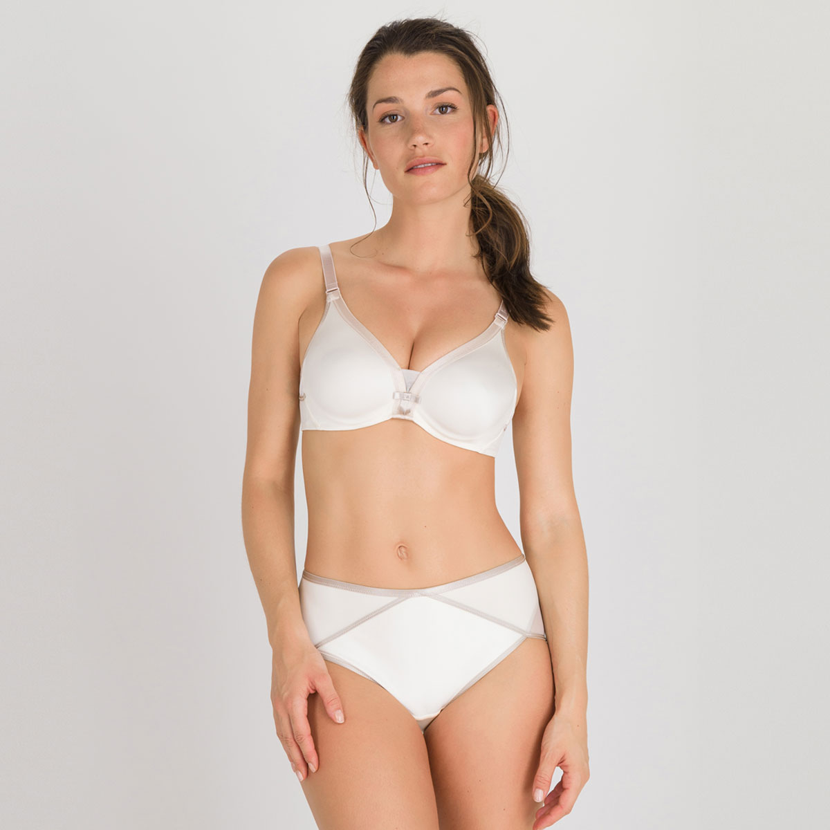 Full Cup Bra in Antique White – Ideal Beauty-PLAYTEX
