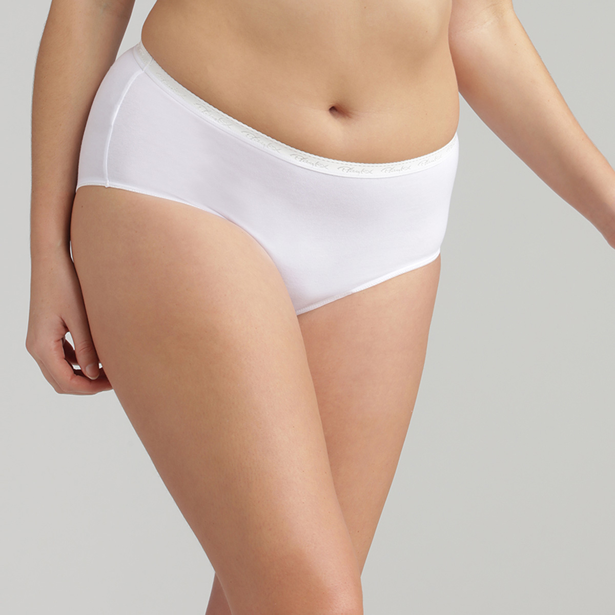 3 Pack of Full Briefs in White Cotton – Stretch Cotton, , PLAYTEX
