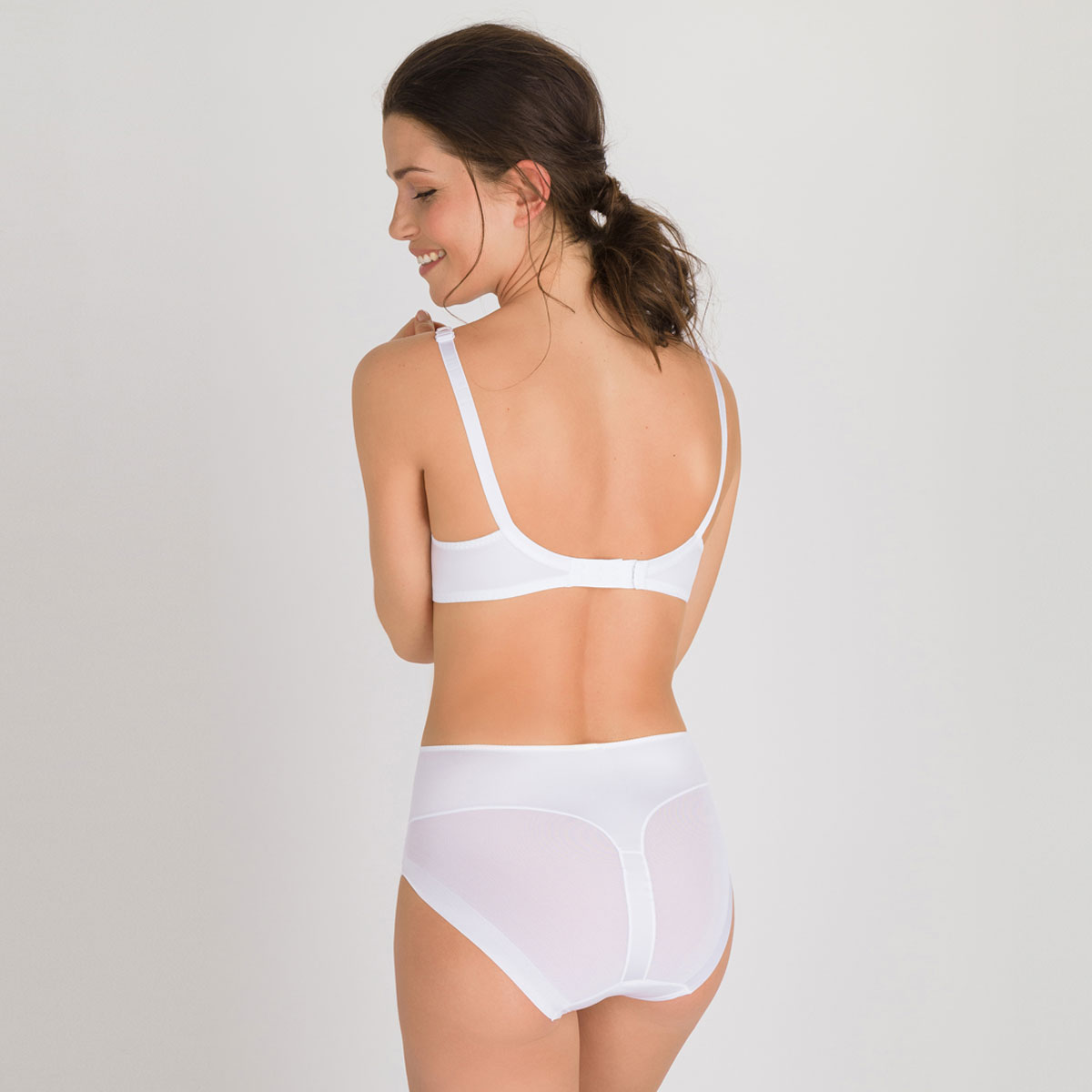 Non-wired Bra in White – Perfect Silhouette-PLAYTEX