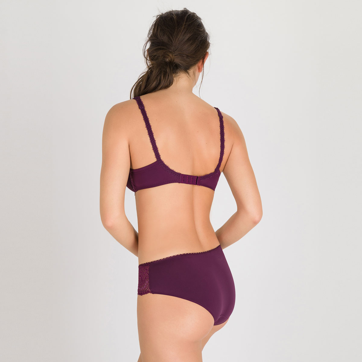 Spacer Bra in Dark Purple - Flower Elegance-PLAYTEX