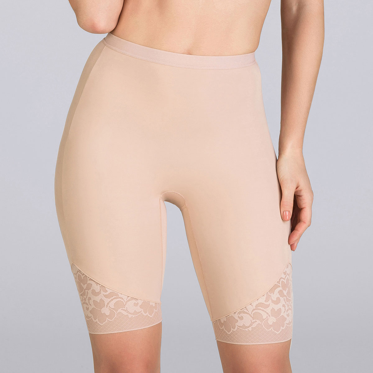 33e019fa75 ... Beige thigh slimmer - Expert in Silhouette-PLAYTEX