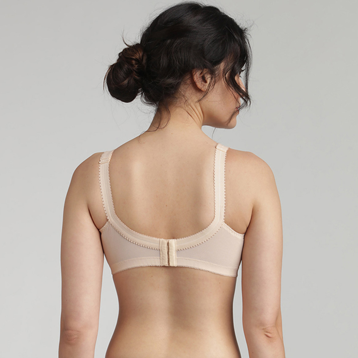 Non-wired bra in beige Cross Your Heart 556, , PLAYTEX