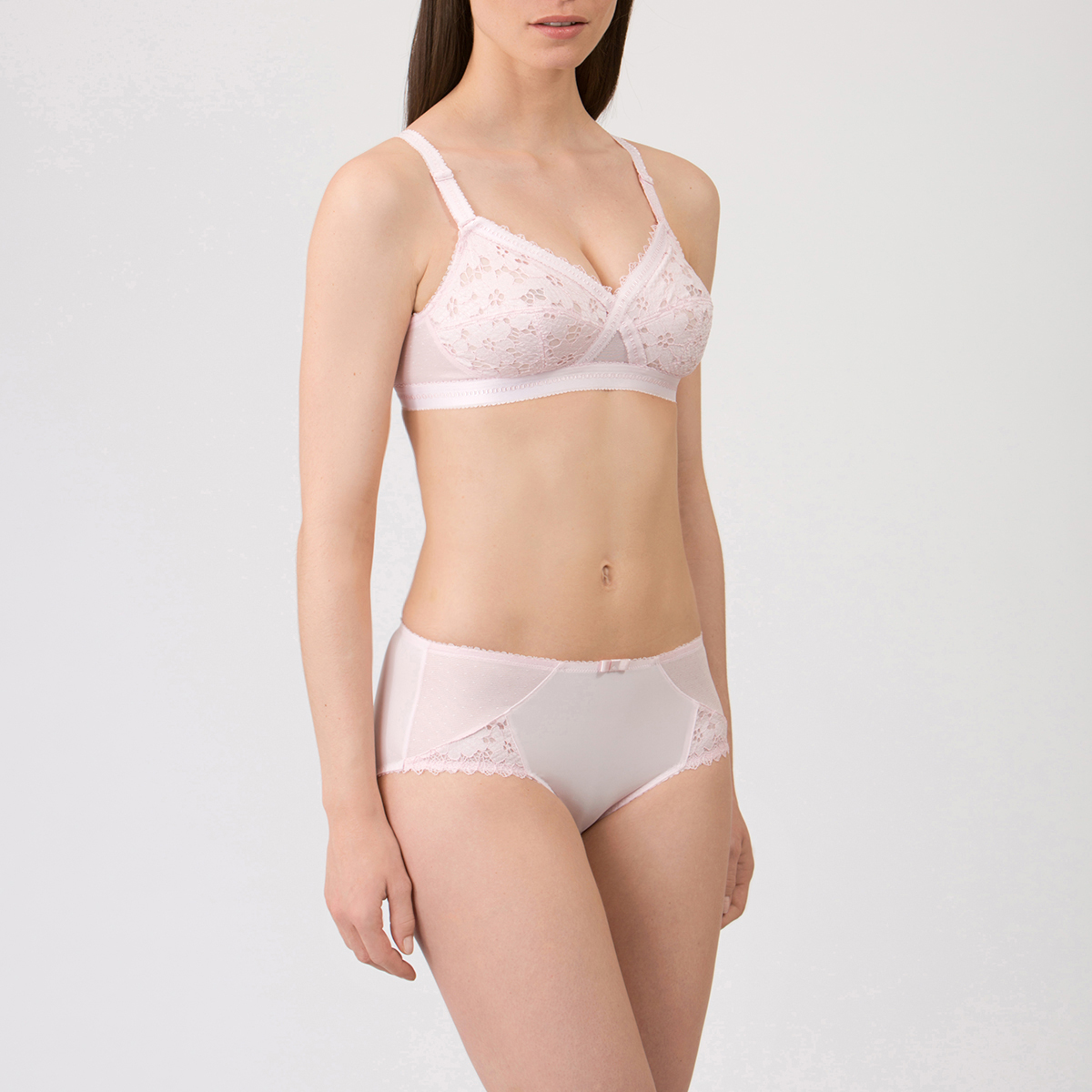 Non-wired Bra in Pale Pink –  Classic Lace Support-PLAYTEX