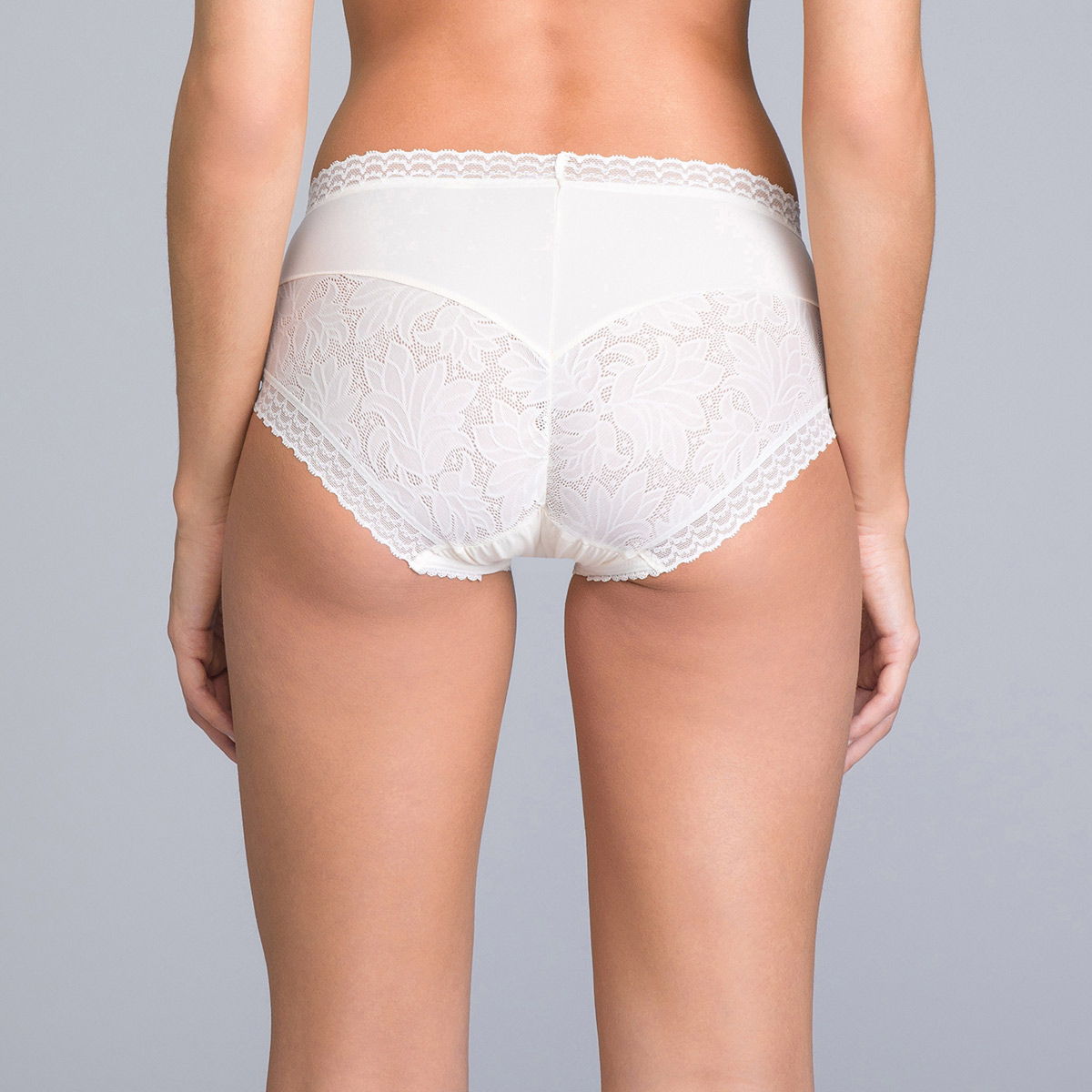Midi Knickers in Antique White Lace - Invisible Elegance - PLAYTEX