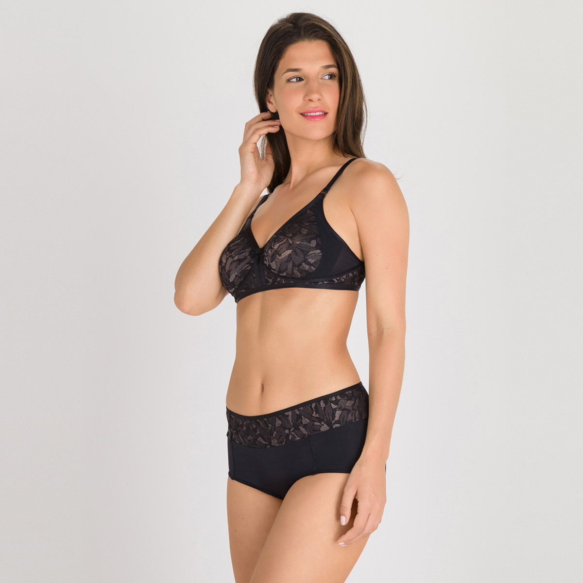 Non-wired Bra in Black and Grey - Ideal Beauty Lace, , PLAYTEX