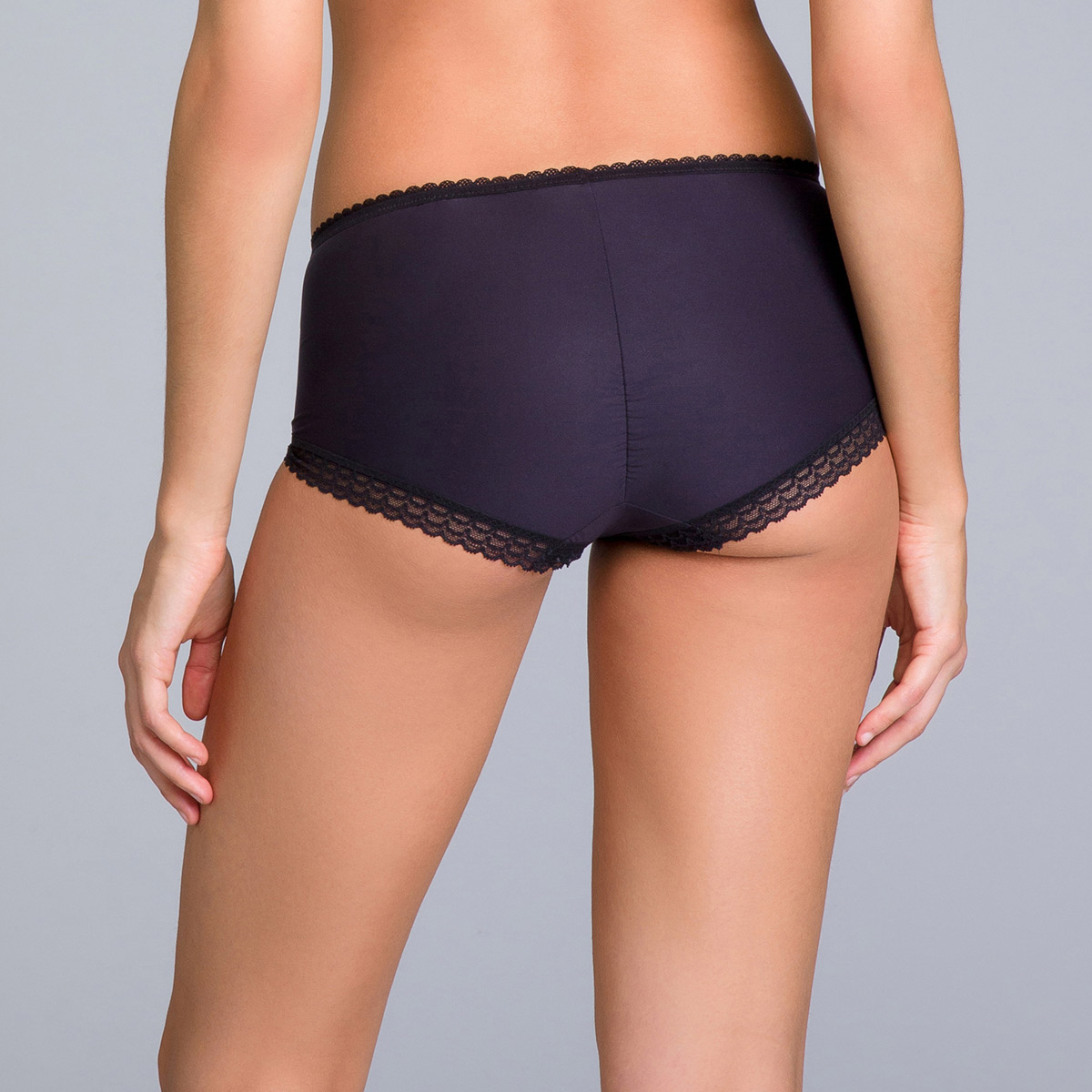 Shorts in Black Lace - Invisible Elegance, , PLAYTEX