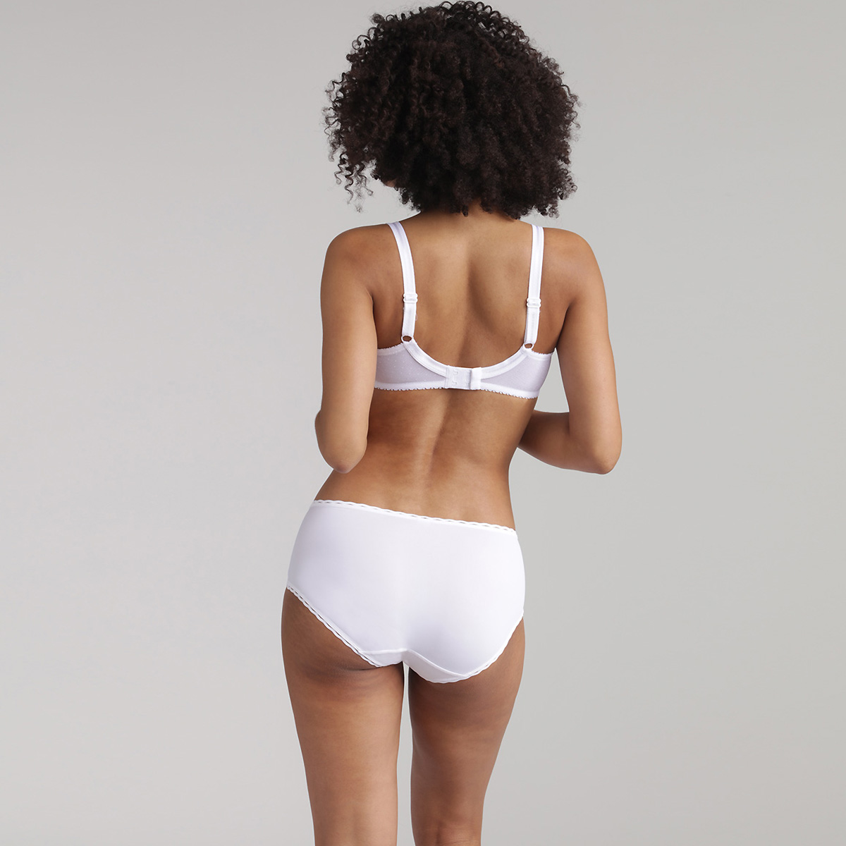 Full Cup Bra in White – Classic Micro Support, , PLAYTEX