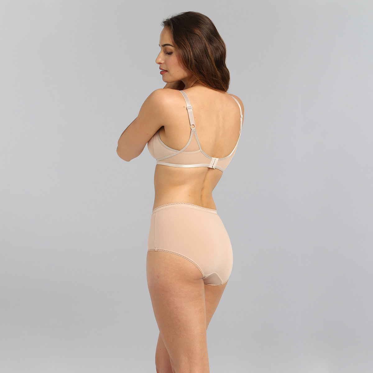 Non-wired bra in beige Ideal Beauty, , PLAYTEX