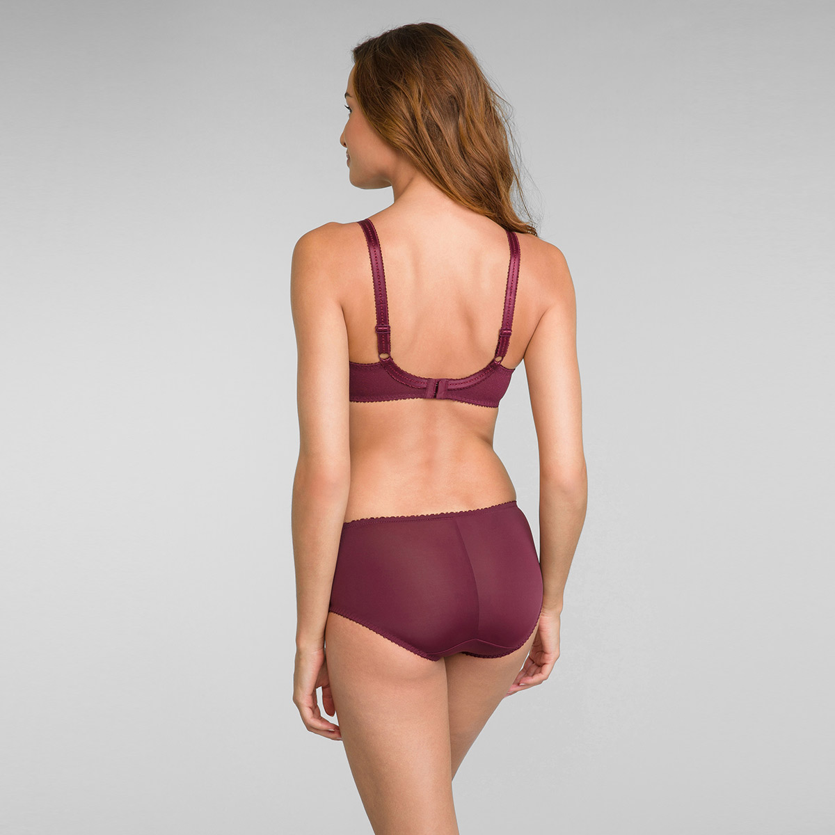 Full Cup Lace Bra in Dark Bordeaux Classic Lace Support, , PLAYTEX