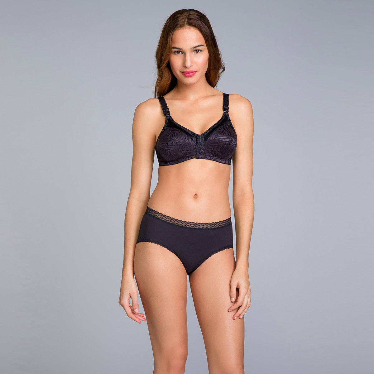 Non-Wired Full Cup Bra with Front Closure in Black - Double Support - PLAYTEX