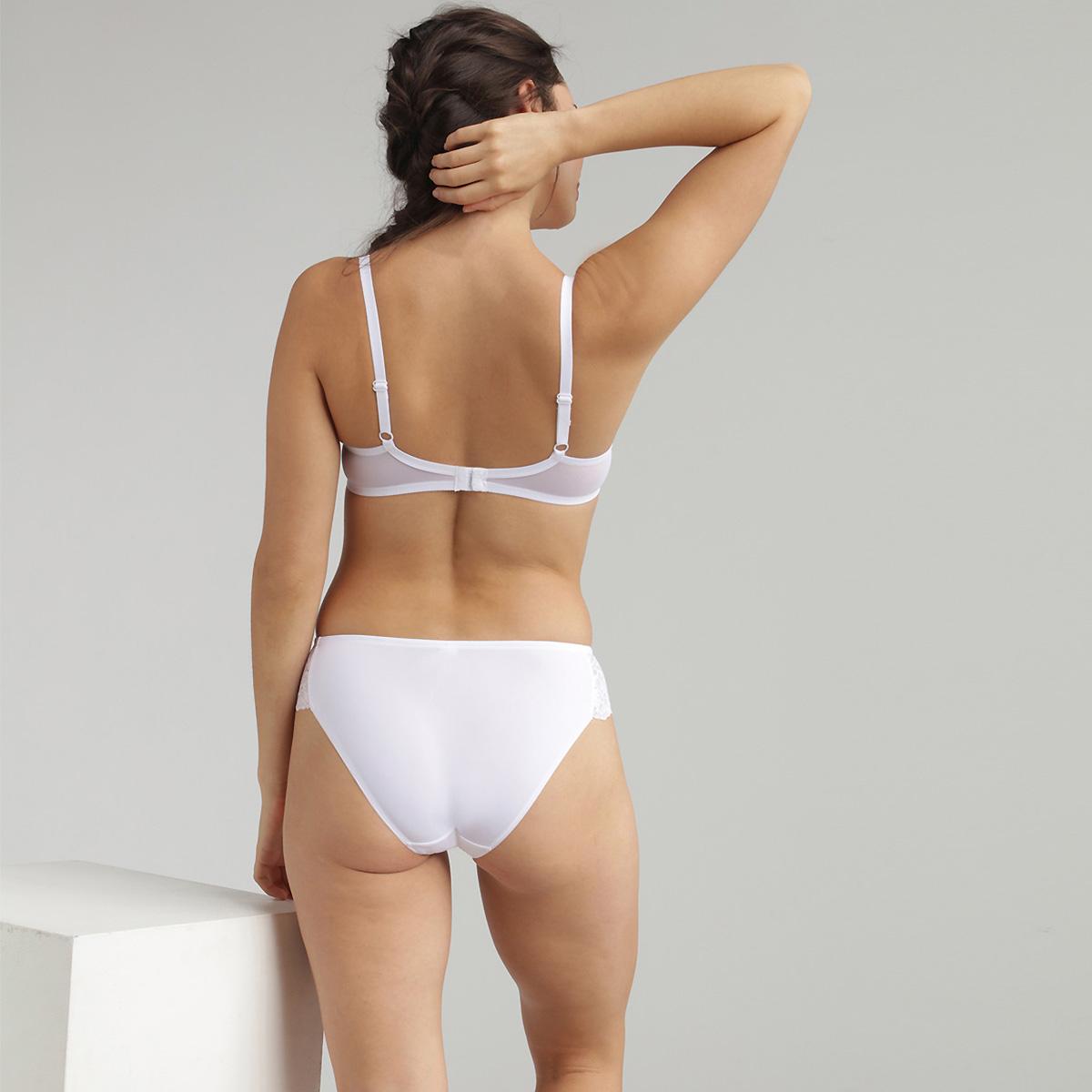 Underwired Lace Bra in White Essential Elegance, , PLAYTEX