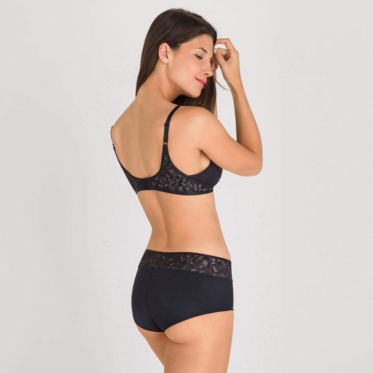 Non-wired Bra in Black and Grey - Ideal Beauty Lace-PLAYTEX