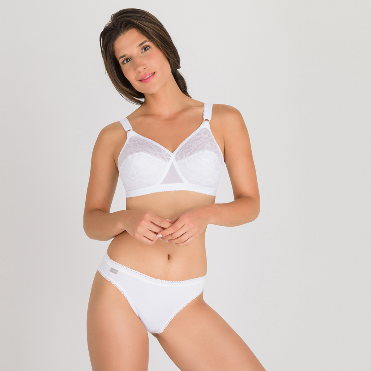 Non-wired Bra in White - Cross Your Heart 165, , PLAYTEX
