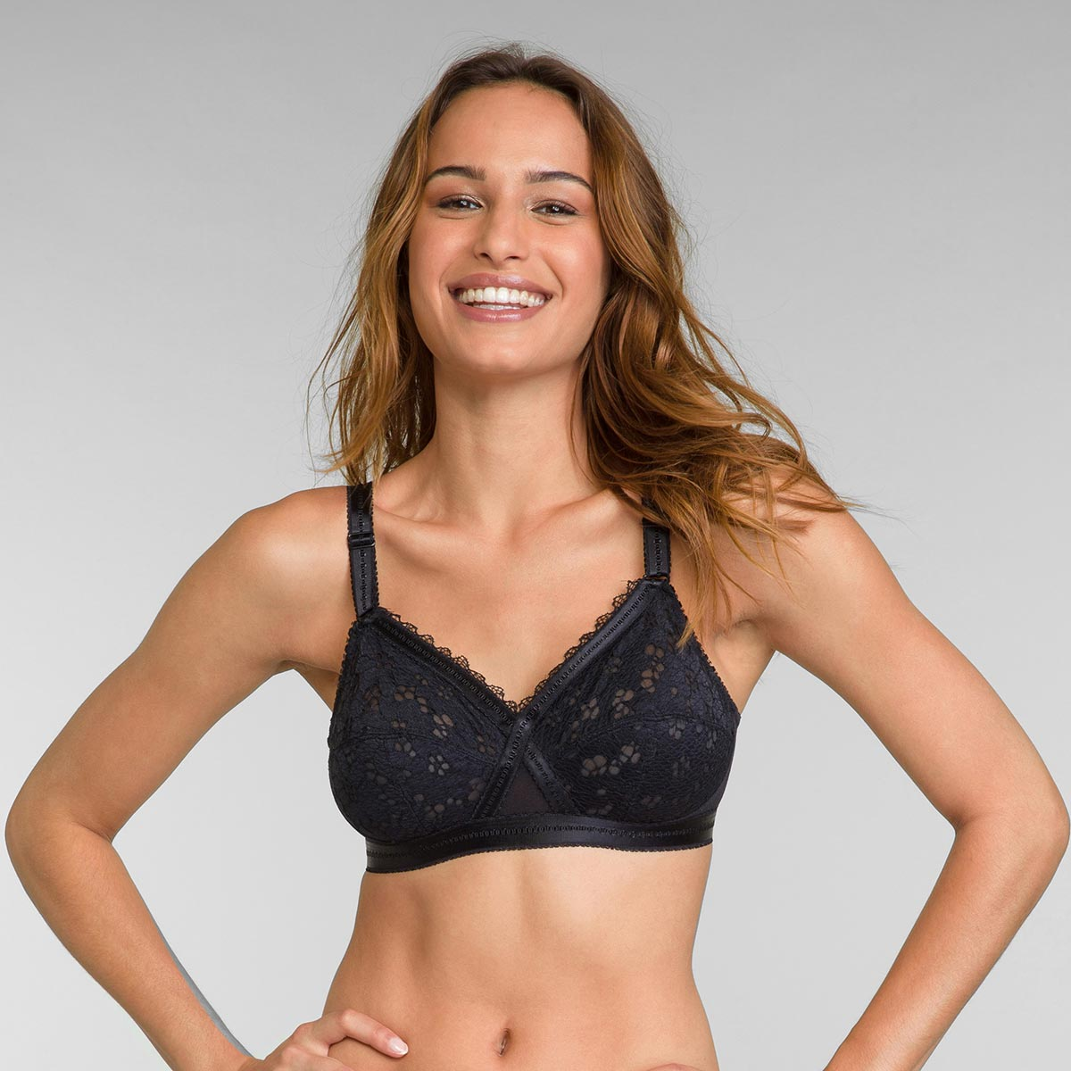 Non-wired bra in black Classic Lace Support, , PLAYTEX