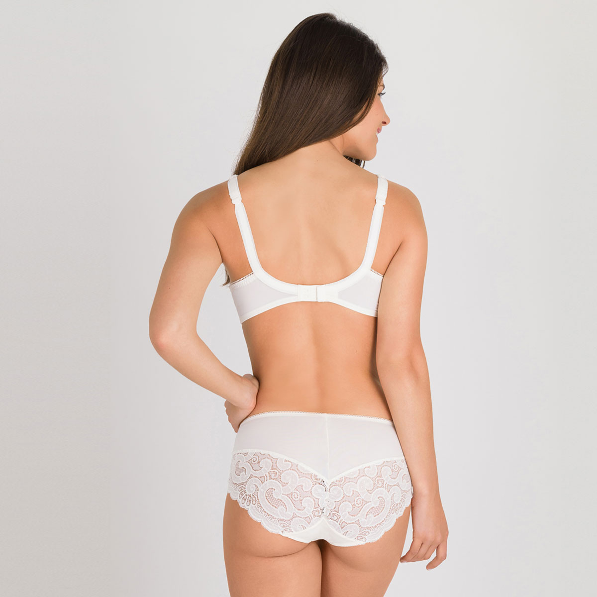 Balcony Bra in Ivory – Invisible Elegance-PLAYTEX