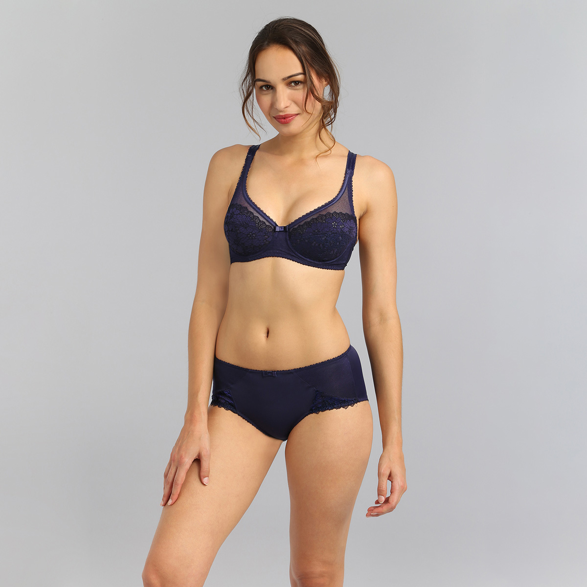 Midi knickers in navy Classic Lace Support, , PLAYTEX