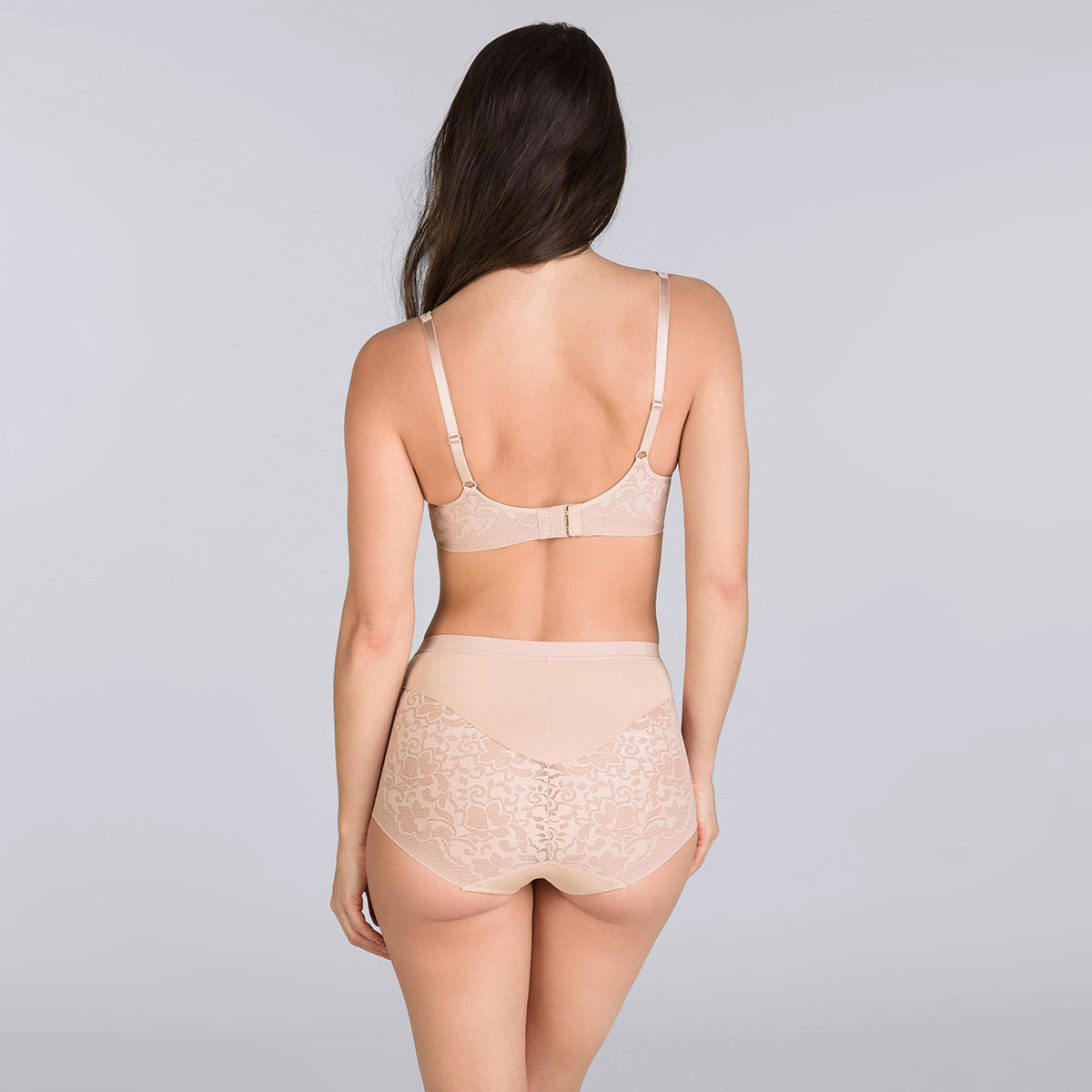 Beige Maxi brief - Expert in Silhouette-PLAYTEX