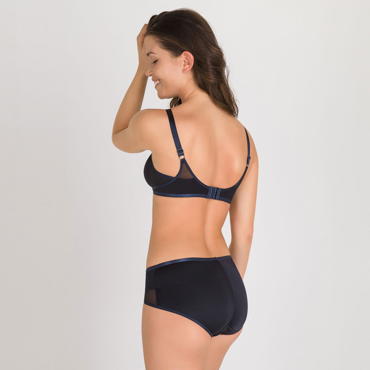 Non-wired Bra in Black - Ideal Beauty, , PLAYTEX