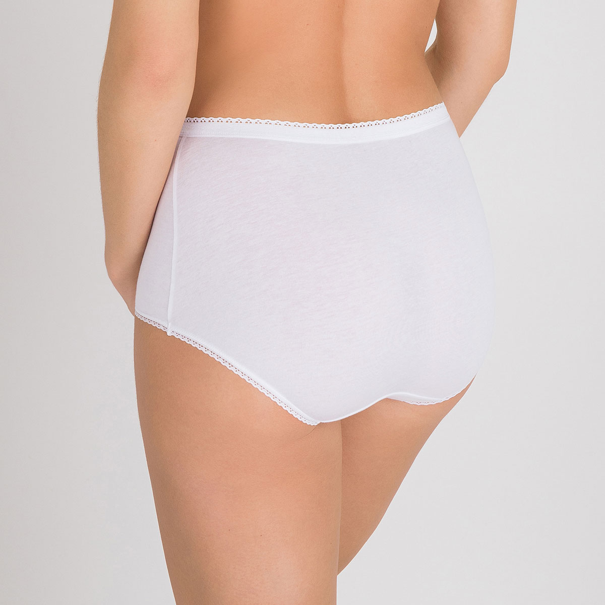 2 Maxi Briefs in White – Stretch Cotton-PLAYTEX